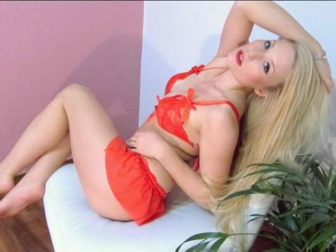Blondy93 bietet Camgirl Erotik